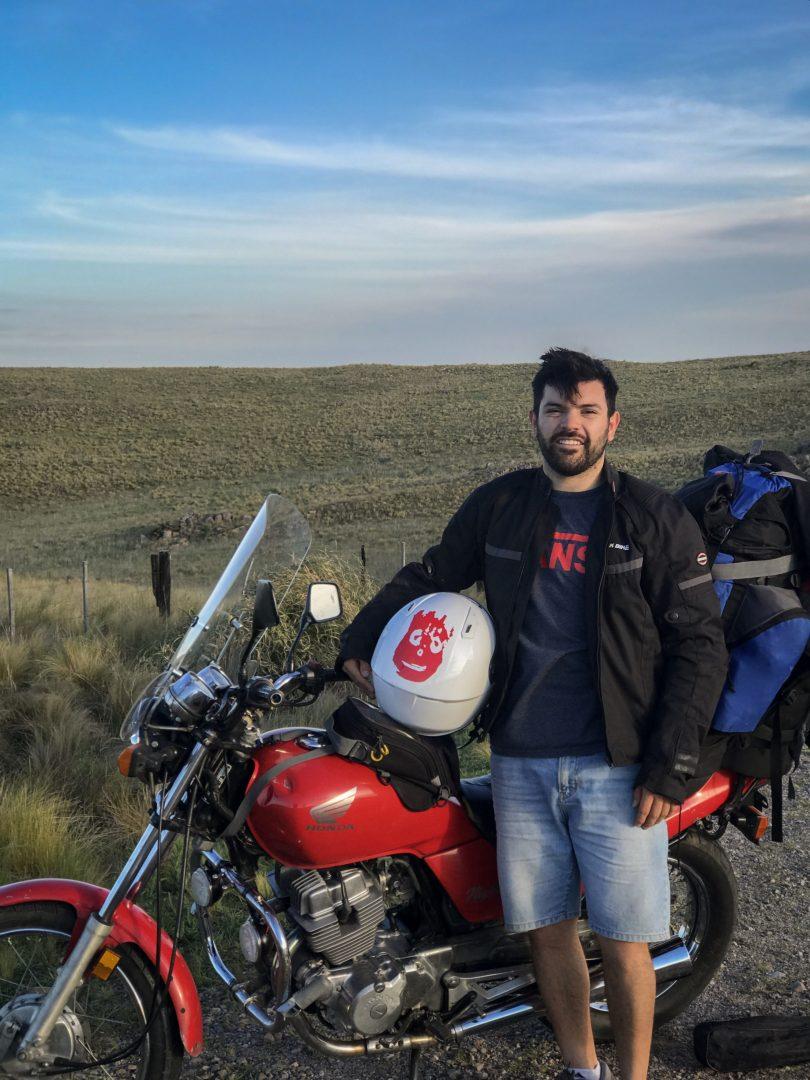 Conocé al cordobés que viaja en moto por Latinoamérica